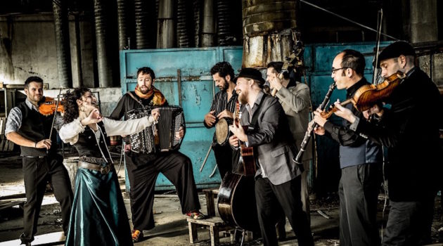 Barcelona Gipsy Balkan Orchestra B